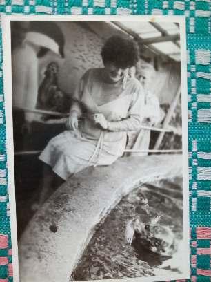 04_Світлина 2. Кубарь Р.І. в дельфінарії міста Кобулеті Грузинської РСР. 1988 рік